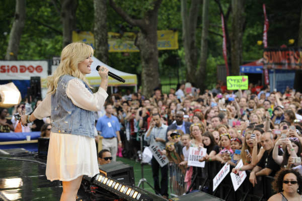 "<div class=""meta image-caption""><div class=""origin-logo origin-image ""><span></span></div><span class=""caption-text"">GOOD MORNING AMERICA - Demi Lovato performs live from Central Park on ""Good Morning America,"" 6/28/13, airing on the ABC Television Network.   (ABC/Donna Svennevik) ROBIN ROBERTS, DEMI LOVATO (ABC Photo/ Donna Svennevik)</span></div>"