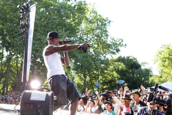 GOOD MORNING AMERICA - Ne-Yo performs live in Central Park as part of the GMA Summer Concert Series, on &#34;Good Morning America,&#34; 8&#47;2&#47;13, airing on the ABC Television Network.   &#40;ABC&#47;Fred Lee&#41;  NE-YO <span class=meta>(ABC Photo&#47; Fred Lee)</span>