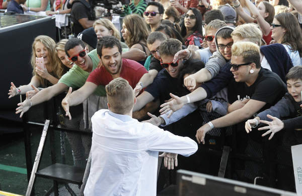GOOD MORNING AMERICA - Macklemore, along with Ryan Lewis, performed at the GMA Summer Concert Series in Central Park, on GOOD MORNING AMERICA, 8&#47;16&#47;13, airing on the ABC Television Network.   &#40;ABC&#47;Lou Rocco&#41; MACKLEMORE GREETS FANS <span class=meta>(ABC Photo&#47; Lou Rocco)</span>