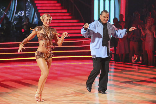 "<div class=""meta ""><span class=""caption-text "">DANCING WITH THE STARS - ""Episode 1801"" - Each couple performed a Cha Cha, Foxtrot or Contemporary routine, vying for America's vote. The two-hour season premiere of ""Dancing with the Stars"" began MONDAY, MARCH 17 (8:00-10:01 p.m., ET) on the ABC Television Network. (ABC/Adam Taylor) EMMA SLATER, BILLY DEE WILLIAMS (ABC Photo/ Adam Taylor)</span></div>"