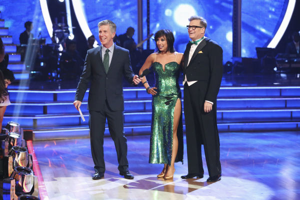 "<div class=""meta ""><span class=""caption-text "">DANCING WITH THE STARS - ""Episode 1801"" - Each couple performed a Cha Cha, Foxtrot or Contemporary routine, vying for America's vote. The two-hour season premiere of ""Dancing with the Stars"" began MONDAY, MARCH 17 (8:00-10:01 p.m., ET) on the ABC Television Network. (ABC/Adam Taylor) TOM BERGERON, CHERYL BURKE, DREW CAREY (Photo/Adam Taylor)</span></div>"