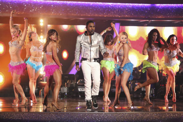 "<div class=""meta ""><span class=""caption-text "">DANCING WITH THE STARS - ""Episode 1801"" -- ""Dancing with the Stars"" premiered with a massive opening number featuring all pro dancers as they performed live with musical guest Jason Derulo. Derulo sang his mega hit song ""Talk Dirty,"" marking the first time ever a musical guest has accompanied a season's opening number, MONDAY, MARCH 17 (8:00-10:01 p.m., ET) on the ABC Television Network. (ABC/Adam Taylor) PETA MURGATROYD, EMMA SLATER,  KARINA SMIRNOFF, JASON DERULO, CHERYL BURKE, WITNEY CARSON, SHARNA BURGESS (ABC Photo/ Adam Taylor)</span></div>"