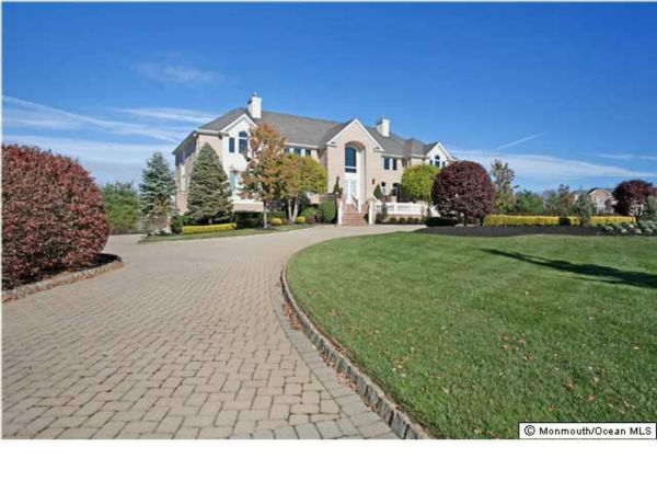 Queen Latifah's $2.399 million 6-bedroom/5 bath/3 half-bath home in Colts Neck, New Jersey, is currently on the market. See the full description on broker Robin Jackson's page at Coldwell Banker. Photos used with permission.