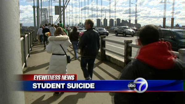 Silent walk across GWB to honor Tyler Clementi
