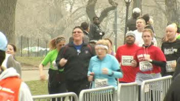 Thousands compete in the New York City Half-Marathon
