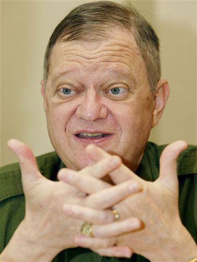 FILE - In this May 24, 2004 file photo, author Tom Clancy, is shown in New York. &#40;AP Photo&#47;Kathy Willens, File&#41; <span class=meta>(AP Photo&#47; Kathy Willens)</span>