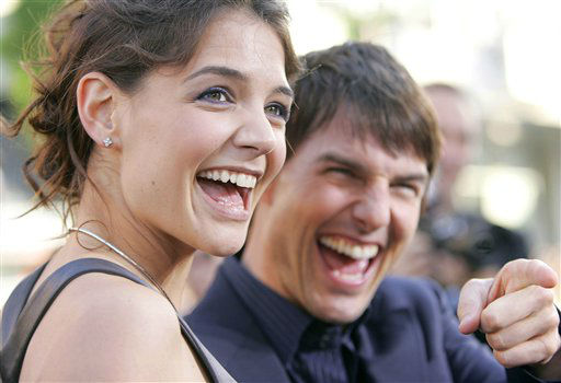 "<div class=""meta image-caption""><div class=""origin-logo origin-image ""><span></span></div><span class=""caption-text"">Actors Katie Holmes and Tom Cruise arrive at the premiere of ""Batman Begins,"" Monday, June 6, 2005, in the Hollywood section of Los Angeles. (AP Photo/Chris Weeks) (AP Photo/ CHRIS WEEKS)</span></div>"
