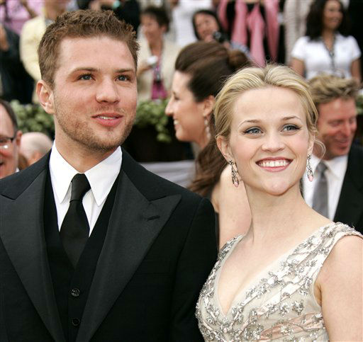 "<div class=""meta ""><span class=""caption-text "">** FILE ** In this March 5, 2006 file photo, Ryan Phillippe arrives with his wife Reese Witherspoon at the Academy Awards in Los Angeles.  (AP Photo/Kevork Djansezian, File) (AP Photo/ KEVORK DJANSEZIAN)</span></div>"