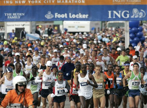 The men&#39;s group starts the New York City Marathon, Sunday, Nov. 5, 2006, in the Staten Island borough of New York. Gomes finished with a time of 2 hours, 9 minutes and 58 seconds. &#40;AP Photo&#47;Frank Franklin II&#41; <span class=meta>(AP Photo&#47; FRANK FRANKLIN II)</span>