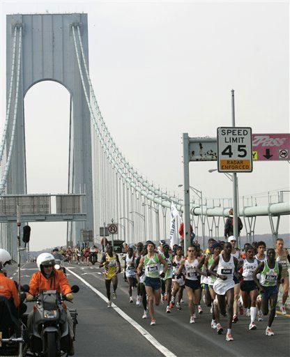Runners cross the upper level of the Verrazano Bridge during the 37th New York City Marathon Sunday, Nov. 5, 2006, in New York. &#40;AP Photo&#47;Frank Franklin II&#41; <span class=meta>(AP Photo&#47; FRANK FRANKLIN II)</span>