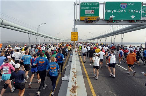 "<div class=""meta ""><span class=""caption-text "">The field of about 37,000 runners begins the New York City Marathon by crossing the Verrazano-Narrows Bridge from the New York City borough of Staten Island to  Brooklyn,  Sunday, Nov. 5, 2006 in New York. The 26.2-mile marathon course passes through all five boroughs of New York City.  (AP Photo/Henny Ray Abrams) (AP Photo/ HENNY RAY ABRAMS)</span></div>"