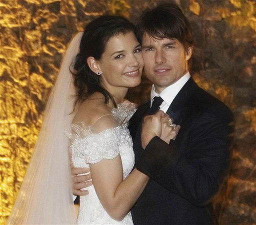 "<div class=""meta image-caption""><div class=""origin-logo origin-image ""><span></span></div><span class=""caption-text"">** FILE ** In this photo released by Rogers and Cowan, actor Tom Cruise and actress Katie Holmes pose in their wedding attire on Saturday, Nov. 18, 2006, at the 15th-century Odescalchi Castle overlooking Lake Bracciano outside of Rome. (AP Photo/Robert Evans) ** zu unserem KORR. ** (AP Photo/ ROBERT EVANS)</span></div>"