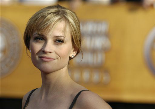 "<div class=""meta ""><span class=""caption-text "">Reese Witherspoon arrives at the 13th Annual Screen Actors Guild Awards on Sunday, Jan. 28, 2007, in Los Angeles. (AP Photo/Chris Pizzello) (AP Photo/ Chris Pizzello)</span></div>"