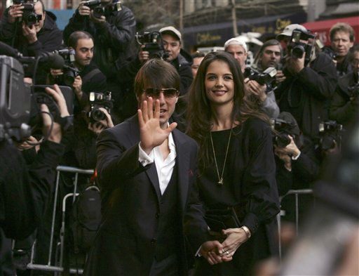 "<div class=""meta ""><span class=""caption-text "">Actors Tom Cruise and Katie Holmes arrive to the New York Rescue Workers Detoxification Project Benefit Gala that benefits the clinic at 139 Fulton St. in Manhattan that offers treatments to 9/11 workers, Thursday, April 19, 2007 in New York.  (AP Photo/Dima Gavrysh) (AP Photo/ Dima Gavrysh)</span></div>"