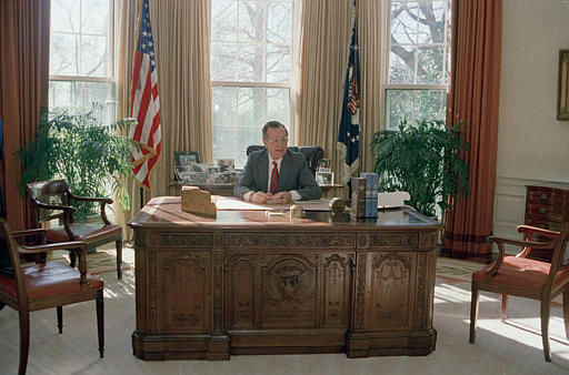 President George Bush is seen at work behind his desk in the Oval Office, 1989.  &#40;AP Photo&#41; <span class=meta>(AP Photo&#47; Anonymous)</span>