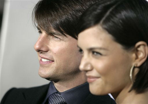 "<div class=""meta ""><span class=""caption-text "">Tom Cruise and Katie Holmes arrive to the premiere of ""Lions for Lambs"" in Los Angeles, Thursday Nov. 1, 2007. (AP Photo/Matt Sayles) (AP Photo/ Matt Sayles)</span></div>"