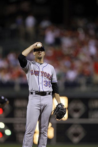 "<div class=""meta ""><span class=""caption-text "">New York Mets' Dillon Gee during a baseball game against the Philadelphia Phillies, Saturday, Sept. 25, 2010, in Philadelphia. (AP Photo/Matt Slocum) (AP Photo/ Matt Slocum)</span></div>"