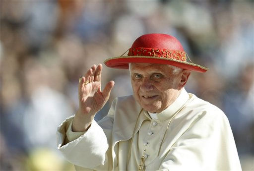 Pope Benedict XVI arrives for his weekly general audience in St. Peter&#39;s square at the Vatican, Wednesday, Oct. 6, 2010. &#40;AP Photo&#47;Andrew Medichini&#41; <span class=meta>(AP Photo&#47; Andrew Medichini)</span>