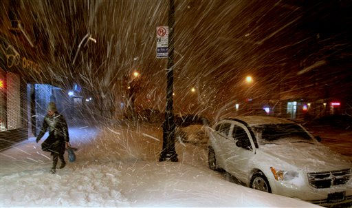"<div class=""meta ""><span class=""caption-text "">A pedestrian walks along 72nd Street in New York Sunday, Dec. 26, 2010, in the midst of a blizzard that hammered New York and much of the Northeast. (AP Photo/Craig Ruttle) (AP Photo/ Craig Ruttle)</span></div>"