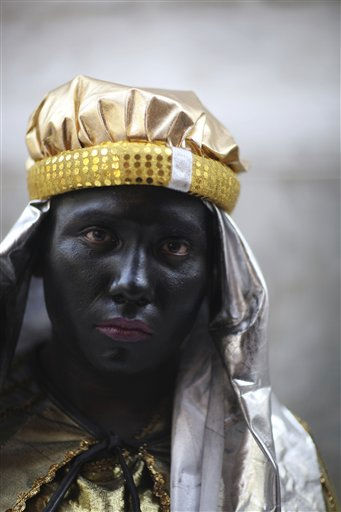 A man, dressed as one of the Three Kings, poses for a photo during the Three Kings Day celebrations in downtown Mexico City, Thursday, Jan. 6, 2011. &#40;AP Photo&#47;Alexandre Meneghini&#41; <span class=meta>(AP Photo&#47; Alexandre Meneghini)</span>