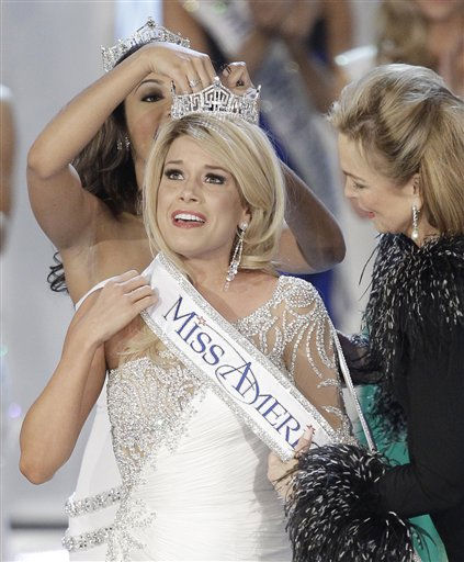 "<div class=""meta ""><span class=""caption-text "">Teresa Scanlan, Miss Nebraska is crowned Miss America 2011 during the Miss America pageant, Saturday, Jan. 15, 2011 in Las Vegas. (AP Photo/Julie Jacobson) (AP Photo/ Julie Jacobson)</span></div>"