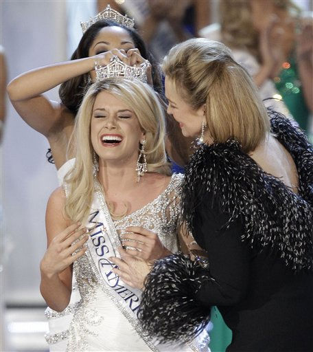 "<div class=""meta image-caption""><div class=""origin-logo origin-image ""><span></span></div><span class=""caption-text"">Teresa Scanlan, Miss Nebraska is crowned Miss America 2011 during the Miss America pageant, Saturday, Jan. 15, 2011 in Las Vegas. (AP Photo/Julie Jacobson) (AP Photo/ Julie Jacobson)</span></div>"