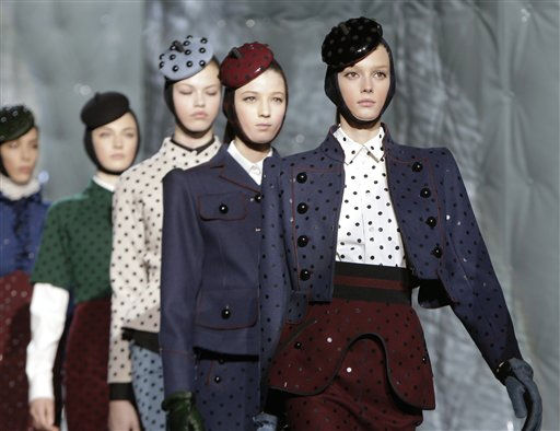 "<div class=""meta ""><span class=""caption-text "">Models parade down the runway at the conclusion of the Marc Jacobs Fall 2011 show during Fashion Week in New York, Monday, Feb. 14, 2011. (AP Photo/Kathy Willens) (AP Photo/ Kathy Willens)</span></div>"