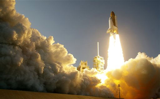 "<div class=""meta ""><span class=""caption-text "">Space shuttle Discovery lifts off from Pad 39A at the Kennedy Space Center in Cape Canaveral, Fla., Thursday, Feb. 24, 2011. Discovery on its last mission to the International Space Station.(AP Photo/John Raoux) (AP Photo/ John Raoux)</span></div>"