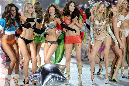 Models, from left, Izabel Goulart, Lindsay Ellingson, Miranda Kerr, Adriana Lima, Doutzen Kroes and Candice Swanepoel walk the runway during the finale of the 2012 Victoria&#39;s Secret Fashion Show on Wednesday Nov. 7, 2012 in New York. The show will be Broadcast on Tuesday, Dec. 4 &#40;10:00 PM, ET&#47;PT&#41; on CBS. &#40;Photo by Evan Agostini&#47;Invision&#47;AP&#41; <span class=meta>(Photo&#47;Evan Agostini)</span>