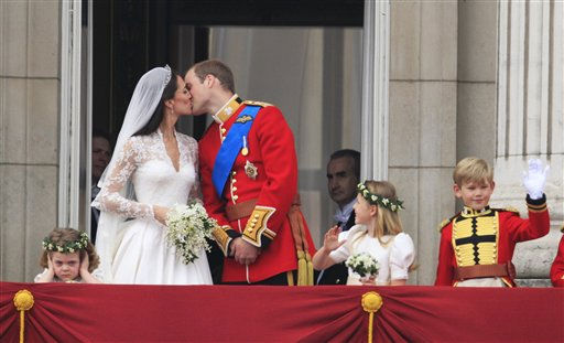 "<div class=""meta ""><span class=""caption-text "">Britain's Prince William kisses his wife Kate, Duchess of Cambridge on the balcony of Buckingham Palace after the Royal Wedding in London Friday, April, 29, 2011. (AP Photo/Matt Dunham) (AP Photo/ Matt Dunham)</span></div>"