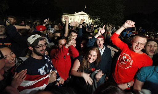 A crowd outside the White House in Washington, cheers Sunday, May 1, 2011, upon hearing the news that terrorist leader Osama bin Laden is dead. &#40;AP Photo&#47;Manuel Balce Ceneta&#41; <span class=meta>(AP Photo&#47; Manuel Balce Ceneta)</span>