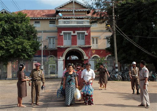 "<div class=""meta ""><span class=""caption-text "">Prisoners line up outside Myanmar's Insein Prison  after they were released as the new government cut one year from their prison terms under a ""general amnesty"" on Tuesday, May 17, 2011, in Yangon, Myanmar.  More than 14,600 prisoners in Myanmar are being released under the clemency program that will include very few political prisoners. (AP/Photo Khin Maung Win) (AP Photo/ Khin Maung Win)</span></div>"