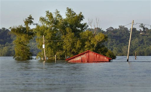 A shed is seen under water at the Vidalia Dock and Storage, as floodwaters from the rising Mississippi flood the buildings, in Vidalia, La., Tuesday, May 17, 2011. &#40;AP Photo&#47;Gerald Herbert&#41; <span class=meta>(AP Photo&#47; Gerald Herbert)</span>