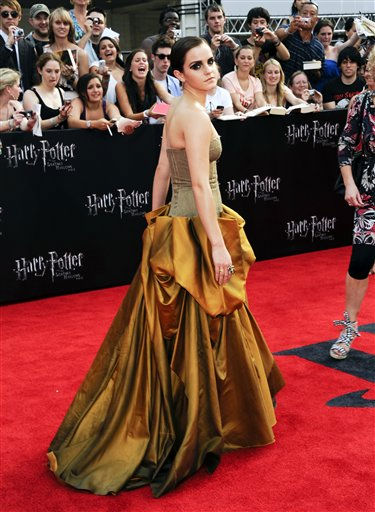 "<div class=""meta image-caption""><div class=""origin-logo origin-image ""><span></span></div><span class=""caption-text"">Actress Emma Watson attends the premiere of 'Harry Potter and the Deathly Hallows Part 2' at Avery Fisher Hall on Monday, July 11, 2011 in New York. (AP Photo/Evan Agostini) (AP Photo/ Evan Agostini)</span></div>"