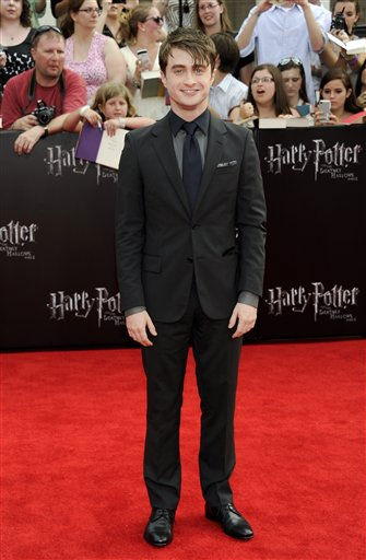 Actor Daniel Radcliffe attends the premiere of &#39;Harry Potter and the Deathly Hallows Part 2&#39; at Avery Fisher Hall on Monday, July 11, 2011 in New York. &#40;AP Photo&#47;Evan Agostini&#41; <span class=meta>(AP Photo&#47; Evan Agostini)</span>