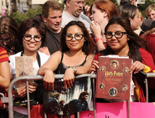 Harry Potter fans attend the premiere of &#39;Harry Potter and the Deathly Hallows Part 2&#39; at Avery Fisher Hall on Monday, July 11, 2011 in New York. &#40;AP Photo&#47;Evan Agostini&#41; <span class=meta>(AP Photo&#47; Evan Agostini)</span>
