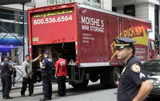 "<div class=""meta ""><span class=""caption-text "">New York City police officers stop a commercial truck at an checkpoint in New York's financial district, Friday, Sept. 9, 2011. U.S. officials said Thursday that they were chasing a credible but unconfirmed al-Qaida threat to use a car bomb on bridges or tunnels in New York or Washington. Police Commissioner Raymond Kelly said that police are beefing up security at bridges and tunnels, setting up vehicle checkpoints and doing bomb sweeps of parking garages. The checkpoint shown existed before the current threat. (AP Photo/Mark Lennihan) (Photo/Mark Lennihan)</span></div>"