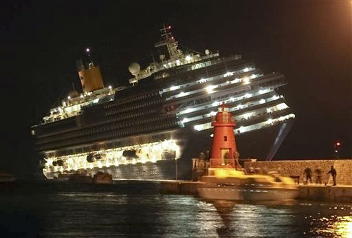 Cruise ship Costa Concordia sinking near Italy
