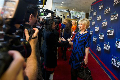 Joan London arrives for Regis&#39; farewell episode of &#34;Live! with Regis and Kelly&#34;, in New York, Friday, Nov. 18, 2011. &#40;AP Photo&#47;Charles Sykes&#41; <span class=meta>(AP Photo&#47; Charles Sykes)</span>