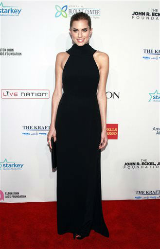 Allison Williams arrives at the Elton John AIDS Foundation&#39;s 12th Annual &#34;An Enduring Vision&#34; benefit gala at Cipriani Wall Street on Tuesday, Oct. 15, 2013 in New York. &#40;Photo by Carlo Allegri&#47;Invision&#47;AP&#41; <span class=meta>(Photo&#47;Carlo Allegri)</span>