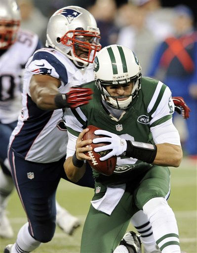 New England Patriots outside linebacker Jerod Mayo &#40;51&#41; sacks New York Jets quarterback Mark Sanchez &#40;6&#41; during the first half of an NFL football game Thursday, Nov. 22, 2012 in East Rutherford, N.J. &#40;AP Photo&#47;Bill Kostroun&#41; <span class=meta>(AP Photo&#47; Bill Kostroun)</span>