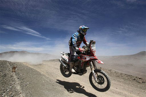 Argentina&#39;s biker Demian Guiral races his Honda as he competes in the eighth stage of the 2012 Argentina-Chile-Peru Dakar Rally at the Atacama desert between Copiapo and Antofagasta, Chile, Monday Jan. 9, 2012. &#40;AP Photo&#47;Martin Mejia&#41; <span class=meta>(AP Photo&#47; Martin Mejia)</span>