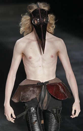 A model wears a creation by Joao Pimenta during the Sao Paulo Fashion Week in Sao Paulo, Brazil, Monday, Jan. 23, 2012. &#40;AP Photo&#47;Andre Penner&#41; <span class=meta>(AP Photo&#47; Andre Penner)</span>