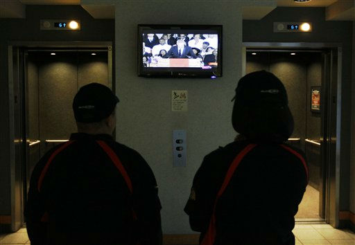 "<div class=""meta ""><span class=""caption-text "">Concession workers at the United Center, watch actor Kevin Costner eulogize Whitney Houston before an NBA basketball game between the Chicago Bulls and the New Jersey Nets, Saturday, Feb. 18, 2012, in Chicago. Houston died last Saturday at the Beverly Hills Hilton in Beverly Hills, Calif., at the age 48.  (AP Photo/Charles Rex Arbogast) (AP Photo/ Charles Rex Arbogast)</span></div>"