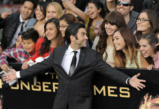 "<div class=""meta ""><span class=""caption-text "">Wes Bentley arrives at the world premiere of ""The Hunger Games"" on Monday March 12, 2012 in Los Angeles. (AP Photo/Chris Pizzello) (AP Photo/ Chris Pizzello)</span></div>"