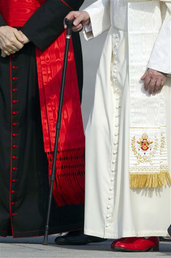 "<div class=""meta ""><span class=""caption-text "">Pope Benedict XVI arrives at Rome Fiumicino international airport to board a plane on his way to a six-day visit to Mexico and Cuba, Friday, March 23, 2012. Pope Benedict XVI has used a cane ? apparently for the first time in public ? for about 100 meters (yards) to the foot of the Alitalia plane from the helicopter which flew him from the Vatican to Rome's Leonardo da Vinci airport.  (AP Photo/Andrew Medichini) (AP Photo/ Andrew Medichini)</span></div>"