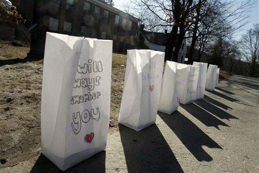 "<div class=""meta ""><span class=""caption-text "">Luminaries in memory of teacher Melissa Jenkins line the sidewalk at St. Johnsbury Academy Tuesday, March 27, 2012 in St. Johnsbury, Vt. (AP Photo/Toby Talbot) (AP Photo/ Toby Talbot)</span></div>"
