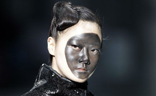 A model wears a creation by South Korean designer Lie Sang-bong during Seoul Fashion Week in Seoul, South Korea, Wednesday, April 4, 2012. &#40;AP Photo&#47;Lee Jin-man&#41; <span class=meta>(AP Photo&#47; Lee Jin-man)</span>