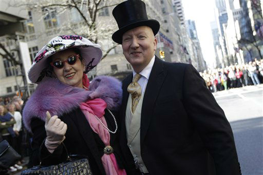 "<div class=""meta ""><span class=""caption-text "">Stephen Jones, right, poses for photographers with a member of the Milners guild during the Easter Parade Fifth Ave.,  Sunday, April 8, 2012 in New York.  (AP Photo/Mary Altaffer) (AP Photo/ Mary Altaffer)</span></div>"