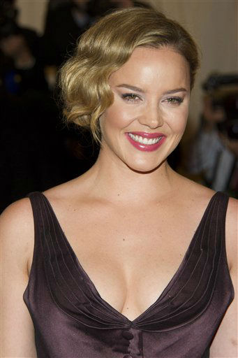 "<div class=""meta ""><span class=""caption-text "">Abbie Cornish arrives at the Metropolitan Museum of Art Costume Institute gala benefit, celebrating Elsa Schiaparelli and Miuccia Prada, Monday, May 7, 2012 in New York. (AP Photo/Charles Sykes) (AP Photo/ Charles Sykes)</span></div>"